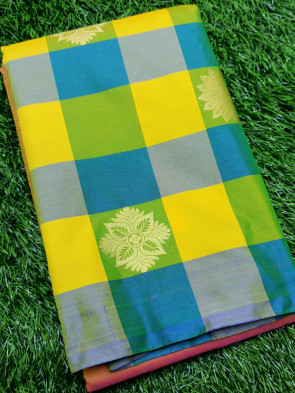Art silk saree comes with over all body half and half gold flower butta design and border less saree