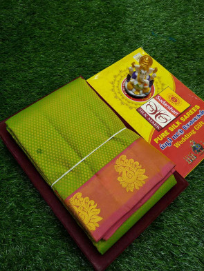 100% Pure kanchipuram  silk saree comes with over all body tiny flowers embosse with peacock jerri border